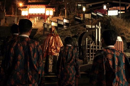 蔵王酢川温泉神社戌の刻詣