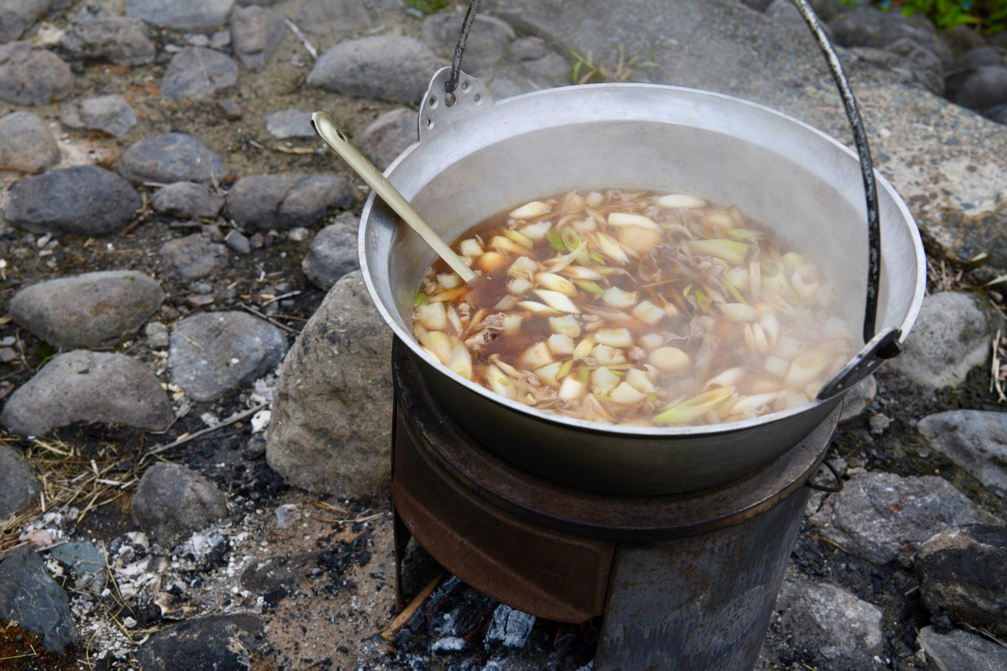 【おもしろ体験】山形秋の風物詩!山形の地元民的芋煮会をまるっと体験ハイヤープラン