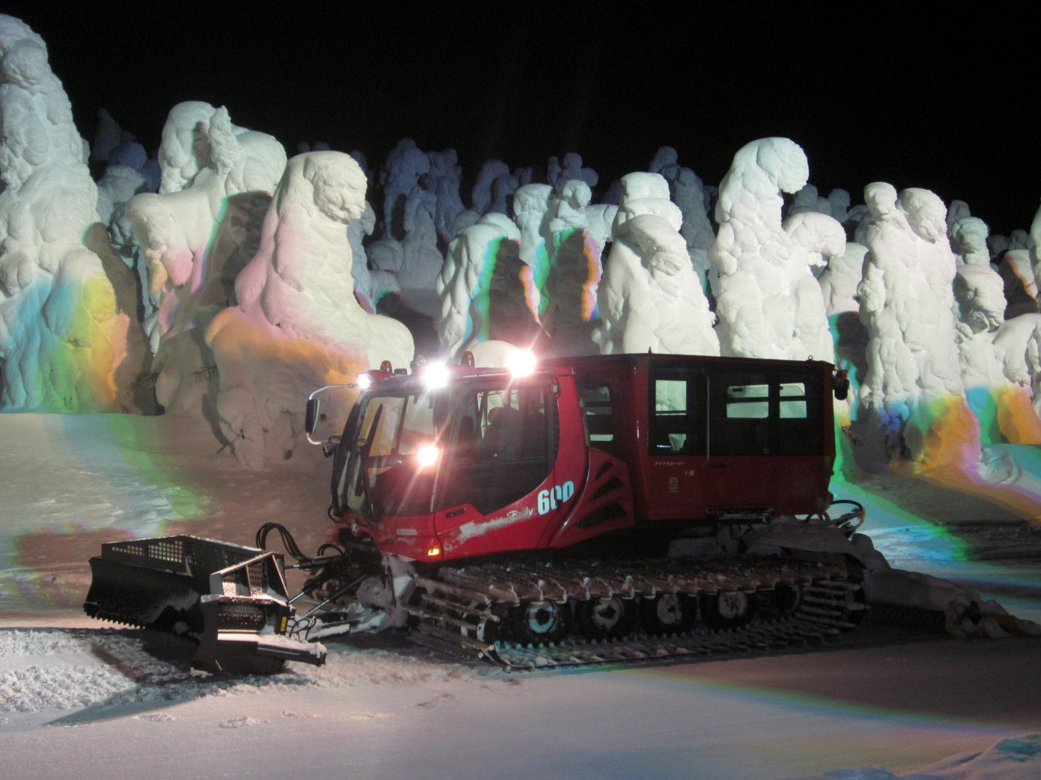 【特集記事】夜のスノーモンスターを雪上車で見にいこう!山形蔵王 ナイトクルーザー号で行く「樹氷幻想回廊ツアー」