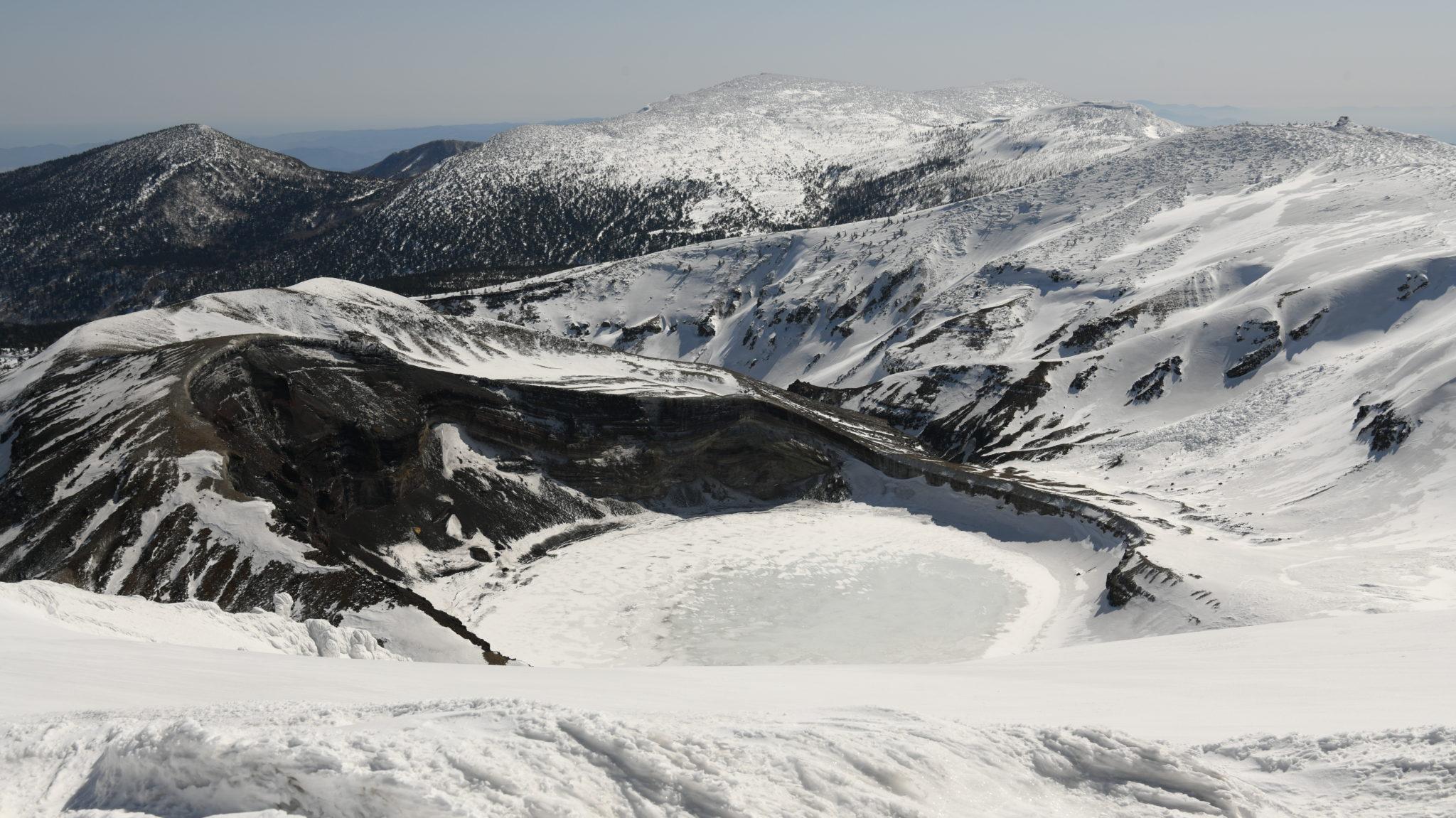 蔵王連峰の主峰・熊野岳&雪のお釜へ☆山岳インストラクターがご案内♪かんじきトレッキング