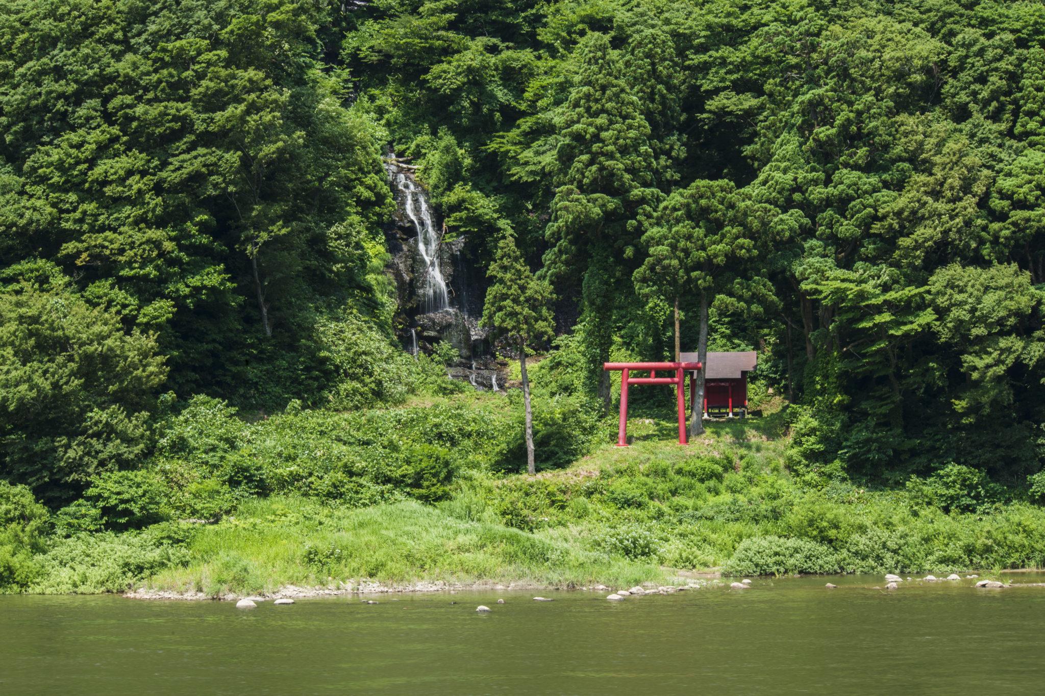 白糸の滝ドライブイン