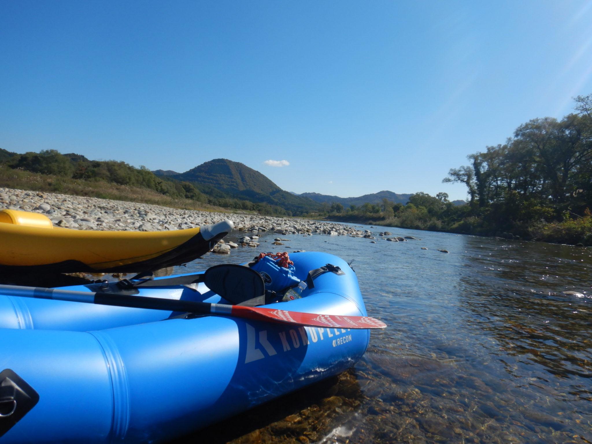 自然の川でコントロール操作を楽しむ!山形・最上川でパックラフトダウンリバーツアー